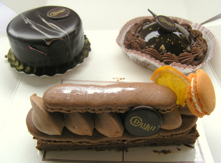 3_chocolate_cakes
